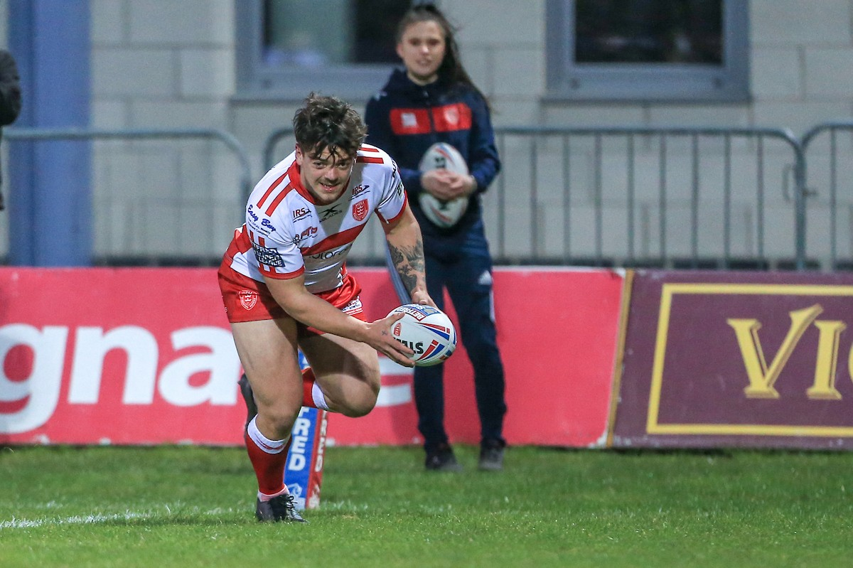 Will Oakes in action for Hull KR